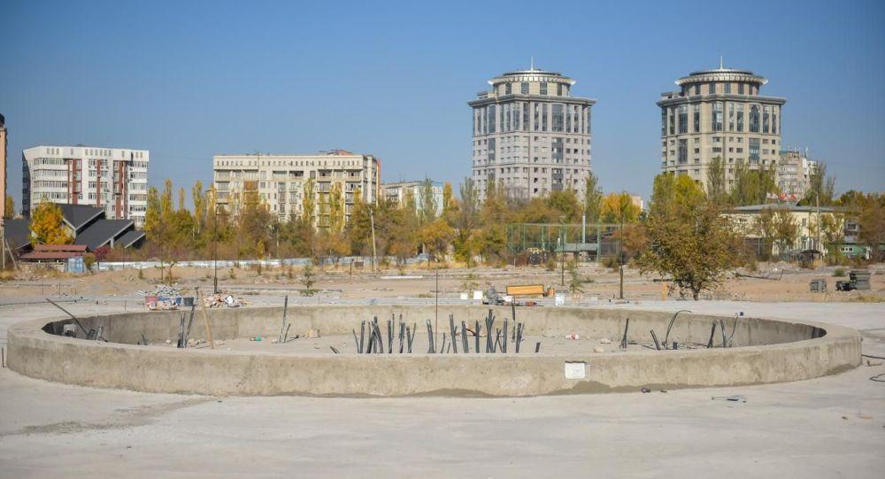 Строительство парка Балалык на Южных воротах, напротив парка имени Дайыра Асанова (Победы) в Бишкеке