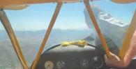Американский пилот Дэйл Де Клерк вместе с товарищем летел на своем самолете J-3 Cub, однако в воздухе у них произошел инцидент.