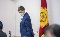 Экс-мэр Бишкека Азиз Суракматов во время пресс-конференции