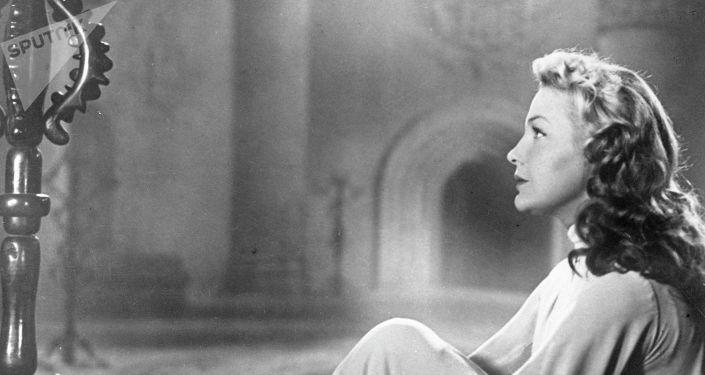 Кадр из фильма Отелло. Ирина Скобцева в роли Дездемоны.