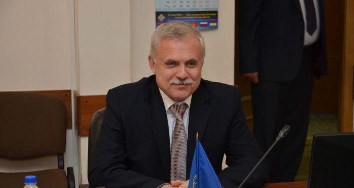 В Москве состоялась встреча Министра иностранных дел Кыргызской Республики Руслана Казакбаева с Генеральным секретарем Организации Договора о коллективной безопасности Станиславом Засем. 22 октября 2020 года