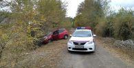 Инспекторы отделения обеспечения безопасности дорожного движения Джалал-Абадской области догнали и задержали водителя, который подозревается в угоне машины марки Honda Fit