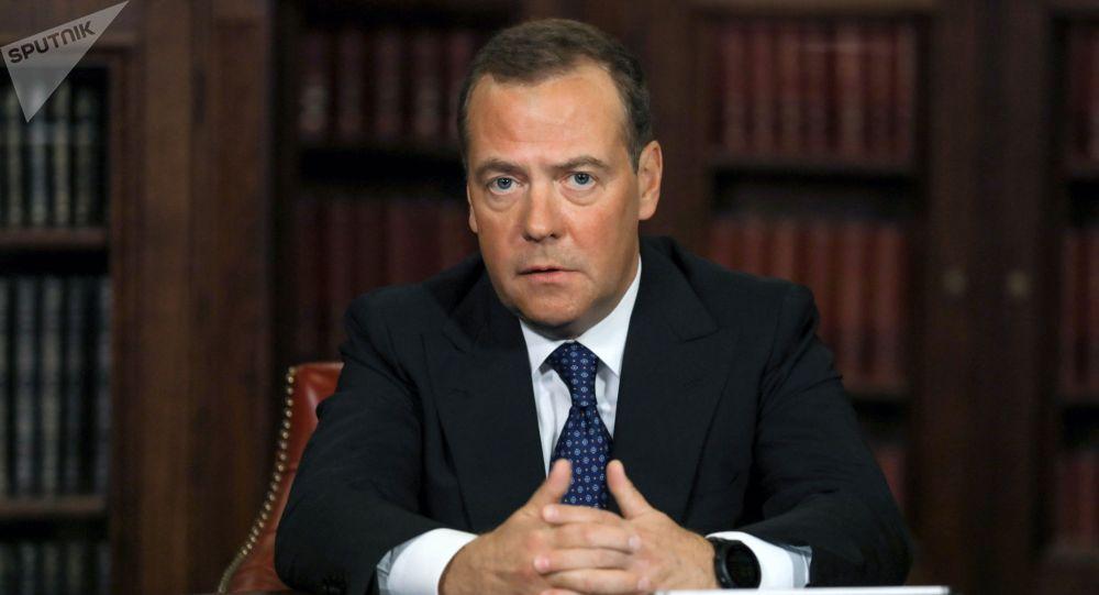 Россиянын Коопсуздук кеңешинин төрагасынын орун басары Дмитрий Медведев. Архивдик сүрөт
