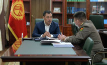 Исполняющий обязанности президента, премьер-министр Кыргызской Республики Садыр Жапаров принял председателя Государственной пограничной службы Кыргызской Республики Уларбека Шаршеева. 26 октября 2020 года