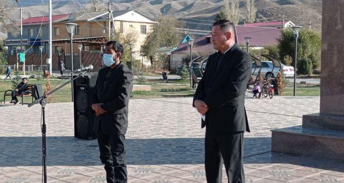 Памирские кыргызы во время их переселения из Нарына в Алайский район Ошской области