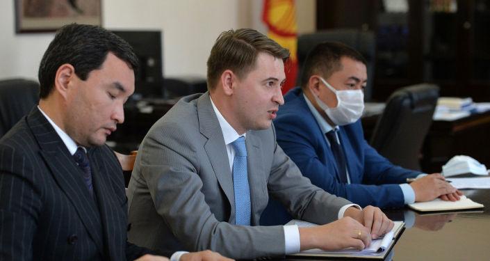 Состоялась встреча Первого вице-премьер-министра Кыргызской Республики Артема Новикова с Послом Российской Федерации в Кыргызской Республике Николаем Удовиченко. 27 октября 2020 года