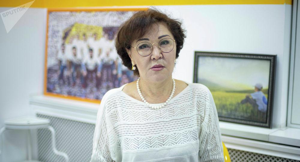 Милдеттүү медициналык камсыздандыруу фондунун программаларын ишке ашыруу башкармалыгынын башчысы Жыпара Азизбекова