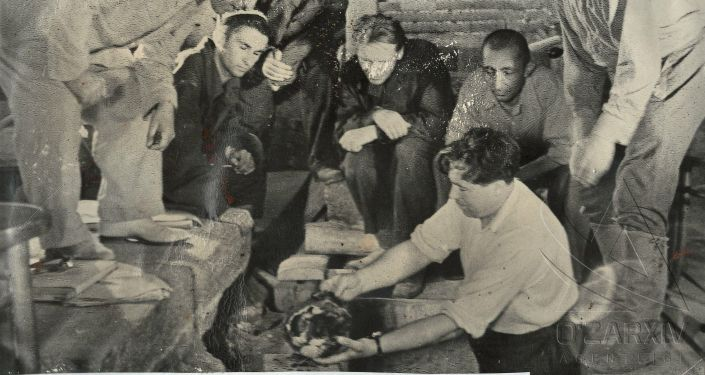 Редкие фотографии вскрытия могилы Амира Темура, сделанные во время экспедиции 1941 года в мавзолее Гури Амира в Самарканде. Архивное фото