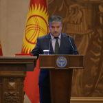 Вице-премьер-министр Кыргызской Республики Равшан Сабиров во время принесения присяги на заседании Жогорку Кенеша в государственной резиденции Ала-Арча. 28 октября 2020 года