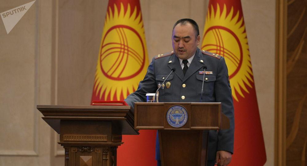 Ички иштер министри Улан Ниязбеков. Архив