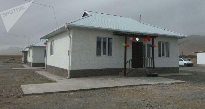 Встреча памирских кыргызов, которые были переселены из Нарына в Алайский район Ошской области