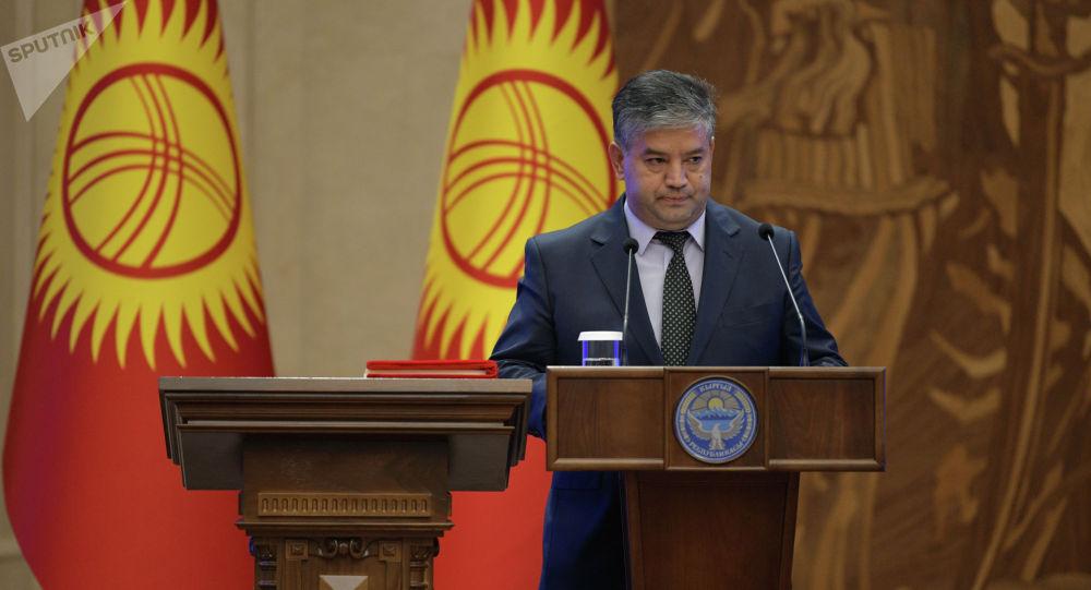 Президенттин кеңешчиси Равшан Сабиров. Архив