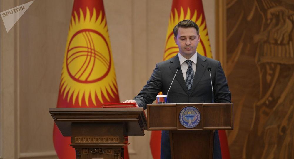 Биринчи вице-премьер Артем Новиков. Архив