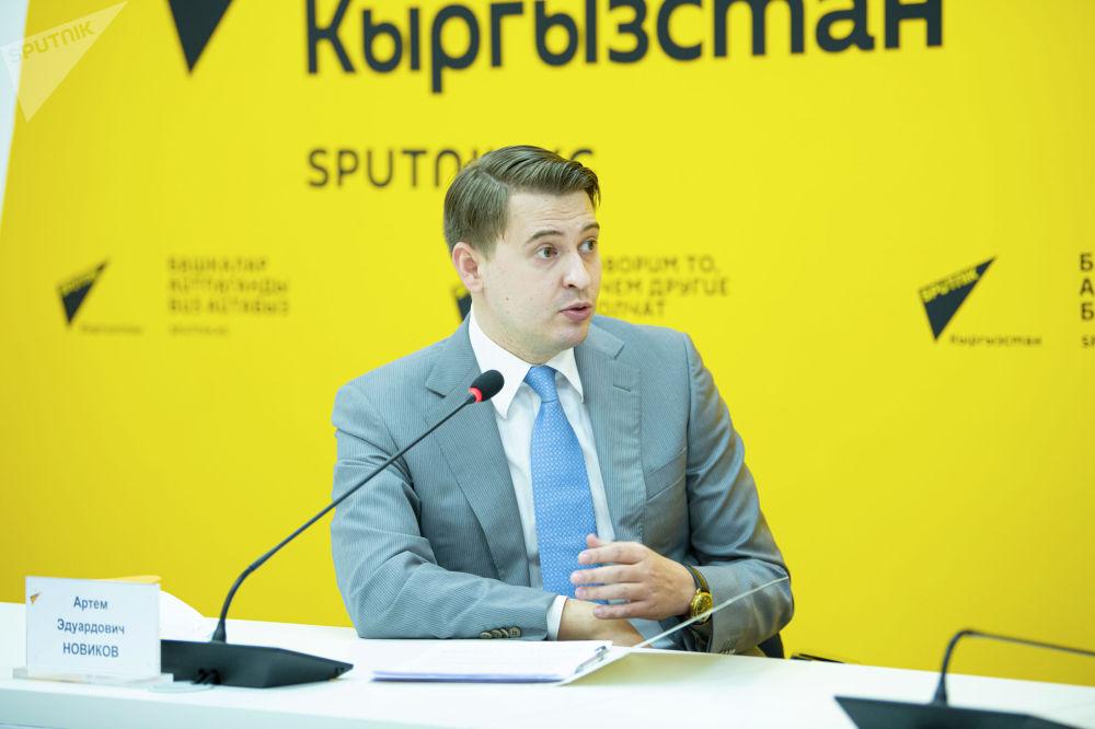 Артем Новиков впервые после назначения на должность первого вице-премьер-министра КР выступил на брифинге