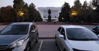 Статуя Ленина на старой площади у дома правительства в Бишкеке. 02 ноября 2020 года