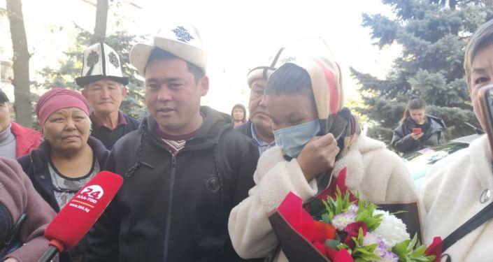 Выписка тройни из родильного дома при Национальном центре охраны материнства и детства