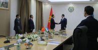 Встреча министра иностранных дел КР Руслана Казакбаева с главой МИД Узбекистана Абдулазизом Камиловым в Ташкенте.  5 ноября 2020 года