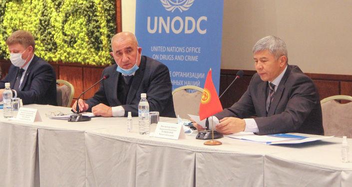 Вице-премьер-министр КР Максат Мамытканов во время выездного заседания Государственного координационного комитета по контролю наркотических средств, психотропных веществ и прекурсоров