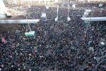 Участники акции протеста против новых ограничений в Лейпциге, Германия. 7 ноября 2020 года