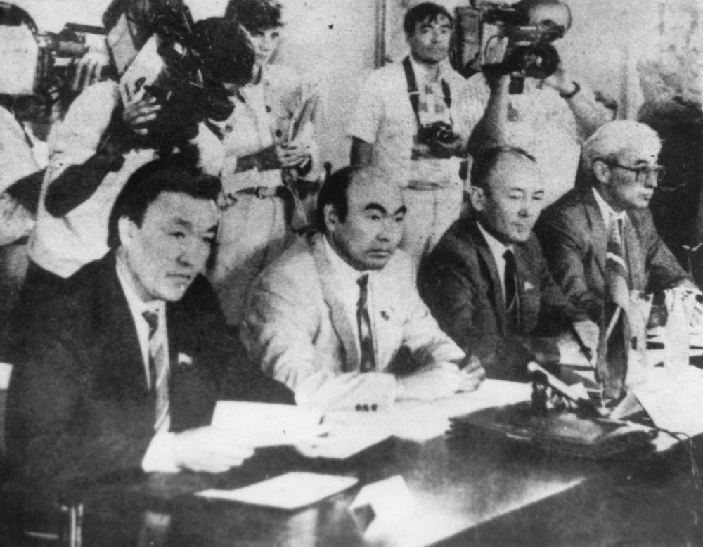 Эгемен Кыргызстандын башында тургандар: Насирдин Исанов, Аскар Акаев жана Медеткан Шеримкулов