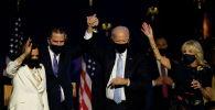 Кандидат в президенты США Джо Байден, его жена Джилл, его сын Хантер Байден и кандидат в вице-президенты Камала Харрис в Уилмингтоне (США)