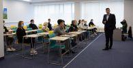 Студенты в аудитории университета. Архивное фото