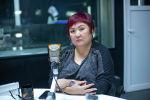 Заслуженный учитель КР, сурдопедагог, дефектолог и логопед Гульнара Ногойбаева на радиостудии Sputnik Кыргызстан