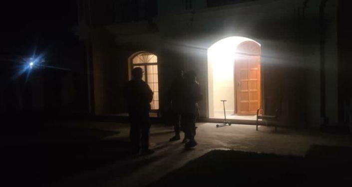 Спецназ накануне обыскал дома бывшего председателя Государственной регистрационной службы Тайырбека Сарпашева