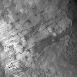 Кеплер кратериндеги жер көчкү. Бул түзүлүш айдын көрүнүп турган тарабында жайгашкан.