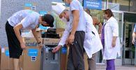 Бишкек, Ош жана Нарын облустарындагы чоң ооруканаларга Азия өнүктүрүү банкы менен ЮНИСЕФ 20 кычкылтек концентраторун, 20 кычкылтек бөлүштүргүч жана 27 пулсьсоксиметр алып берди