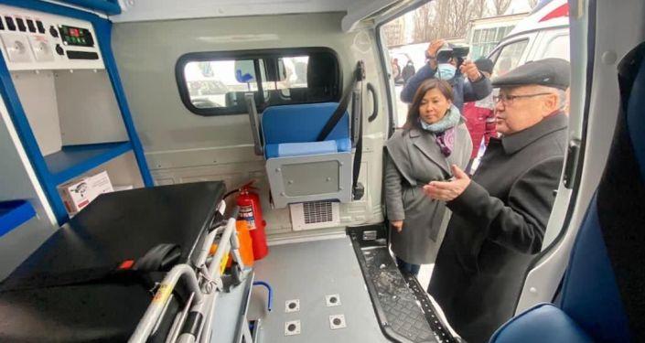 Эми Бишкек шаардык саламаттык сактоо башкармалыгынын автопаркында 54 транспорт болду. Орточо алганда шаарда күн сайын 31-34 ирет Тез жардам кызматына чакыруу түшөт