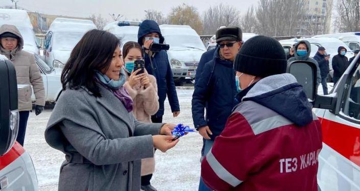 Бүгүн Бишкектин Тез жардам кызматына А класстагы жаңы алты унаа тапшырылды