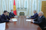 Исполняющий обязанности президента КР Талант Мамытов принял посла России Николая Удовиченко