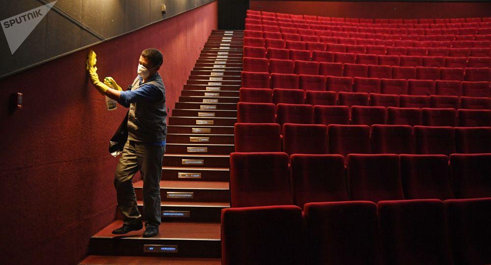 Кинотеатр залы. Архив