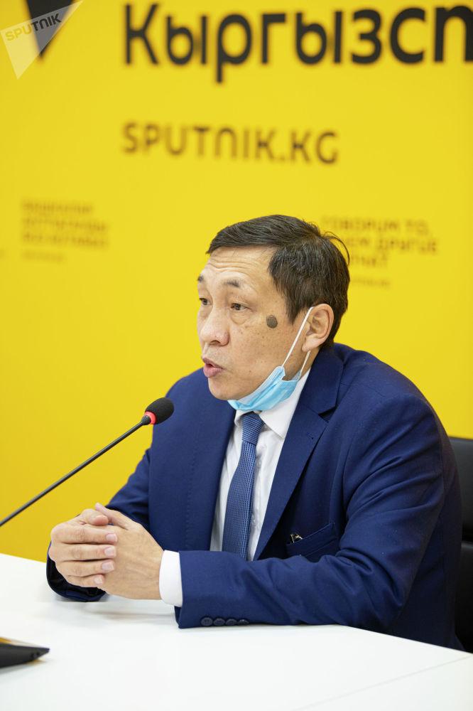 Он заявил, что в некоторых случаях российские работодатели готовы вывезти работников из Кыргызстана и внести в правительство инициативу, чтобы получить на это разрешение