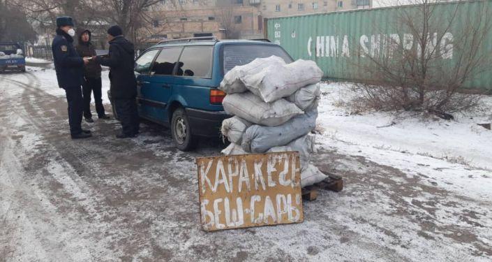 В Чуйской области принимаются меры против стихийной торговли угля на обочине дорог
