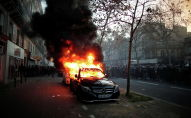 Париждеги глобалдык коопсуздук жөнүндөгү мыйзам долбоорго каршы митинг