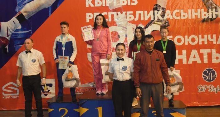 Кыргызстандын чемпионатына Бишкек менен Ош шаарларынан жана жети облустан 120 спортчу катышты