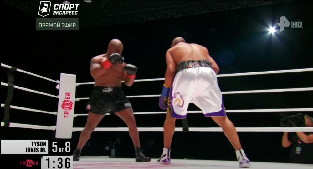 Бүгүн бокс дүйнөсүндө чоң майрам болду. Спорттун дөө-шаалары Майк Тайсон менен Рой Жонс рингде көптөн күттүргөн кармашты тартуулады.
