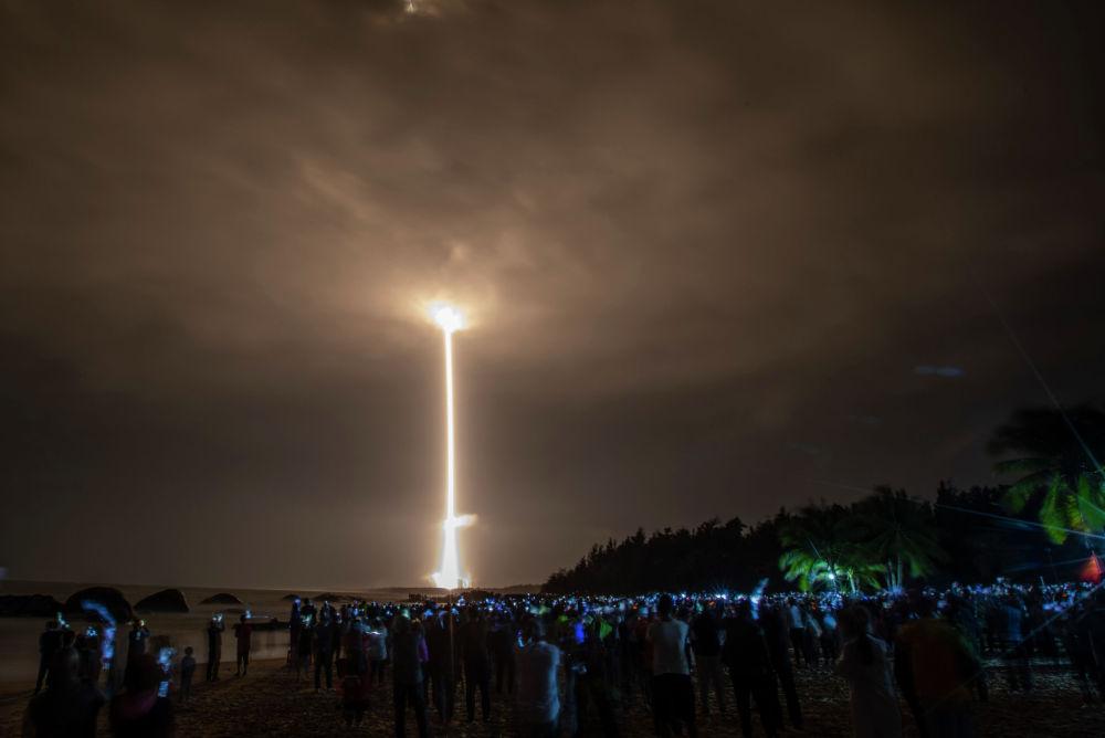 Кытайлыктардын Чанчжэн-5 ракетасы Чанъэ-5 ай зонду менен  Хайнань аралындагы Вэньчан космодромунан старт алды