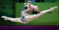 Линой Ашрам из Израиля во время выступления на 36-ом чемпионате Европы по художественной гимнастике в Киеве (Украина) 29 ноября 2020 года