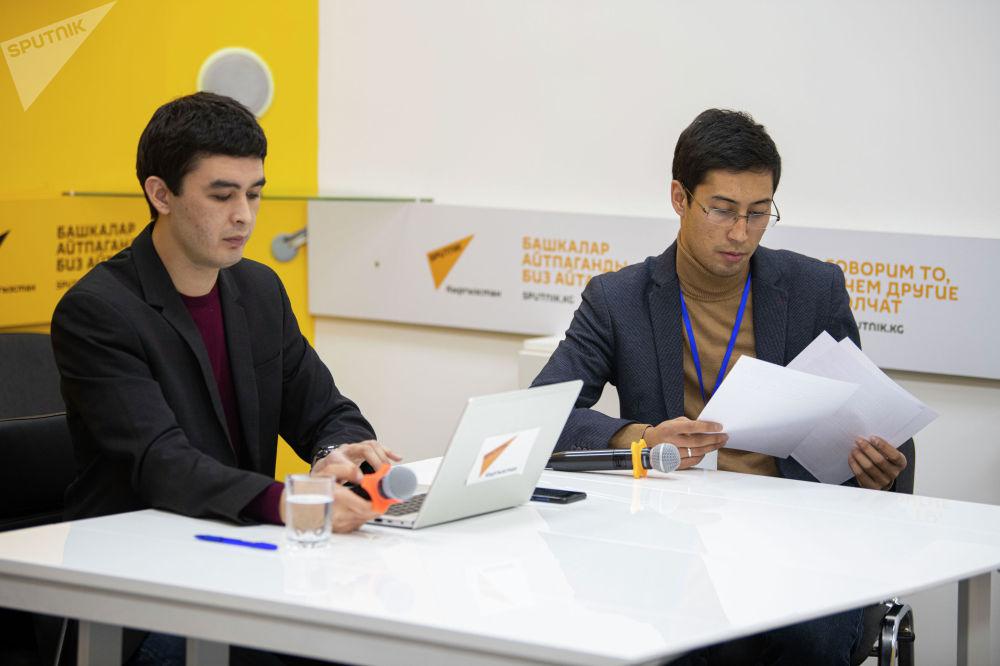 Журналисты Sputnik Алимджан Валиев и Асылбек Бактыбеков