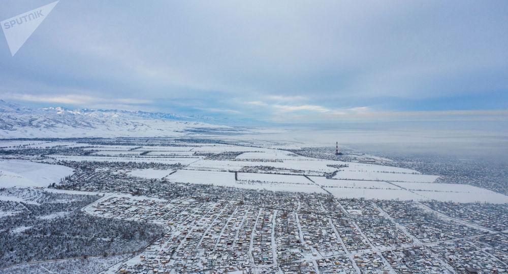 Вид на село Нижний Орок и жилмассив Арча-Бешик с высоты
