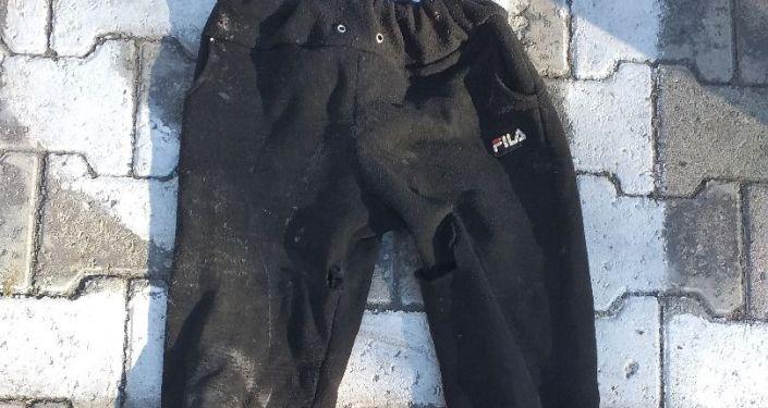 Вещи насмерть сбитого в ДТП в Чуйской области велосипедиста.