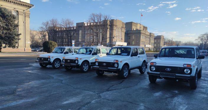 Церемония передачи 19 санитарных автомашин марки Нива для Центров профилактики заболеваний и государственного санитарно-эпидемиологического надзора республики (ЦПЗиГСЭН). 03 декабря 2020