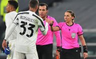 Франциялык Стефани Фраппар тарыхта УЕФАнын Чемпиондор лигасы мелдешиндеги беттешти тейлеген алгачкы аял-калыс болду
