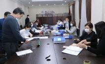 Рабочая группа по приему и проверке подписных листов ЦИК КР осуществляют проверку достоверности представленных подписей кандидатов в президенты