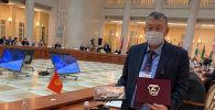 Россия Кыргызстанга Санкт-Петербургда өтүп жаткан коронавируска каршы иштерди талкуулаган эл аралык конференция учурунда көчмө лаборатория берди