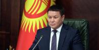 Президенттин милдетин аткарып жаткан Талант Мамытов. Архив