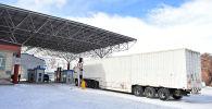 Контрольно-пропускной пункт Иркештам на кыргызско-китайской государственной границе. Архивное фото